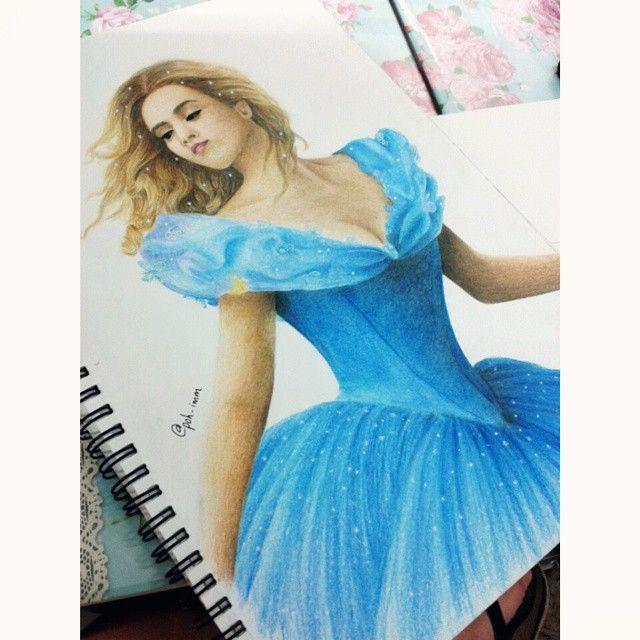 """72 次赞、 6 条评论 - Poh Imm (@poh_imm) 在 Instagram 发布:""""My new art work #Cinderella #sketch #drawing #colouring #curly_hair @blue_dress #instasquare"""""""