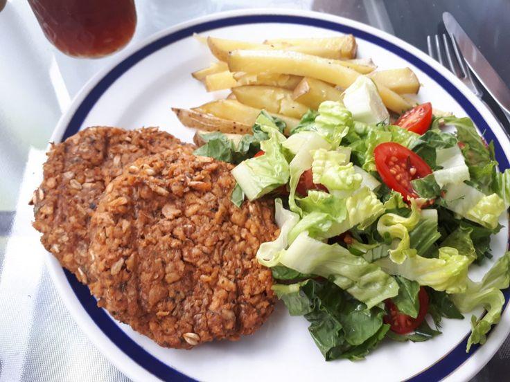 Végé-burger tellement, mais tellement parfaite! (source de protéines et se tient super bien ensemble sur le BBQ)