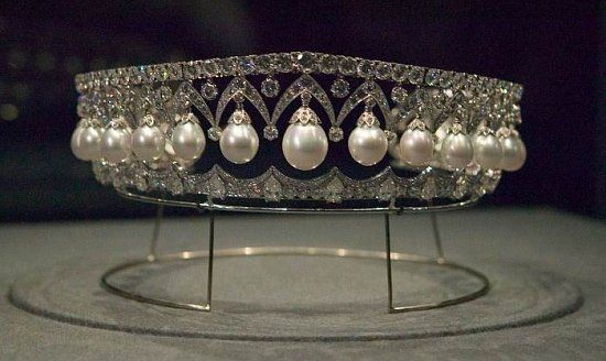 Created for Empress, Alexandra Feodorovna. This tiara has 25 large pearls and is in the traditional Russian kokoshnik style. This tiara is called The Russian beauty.