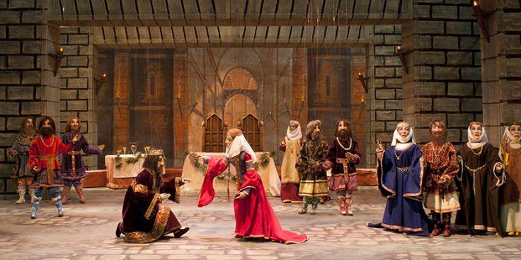 Meglio il #Macbeth drammatico di Giuseppe Verdi o la versione fiabesca di Compagnia Marionettistica Carlo Colla e Figli? http://bit.ly/1RmKqZc
