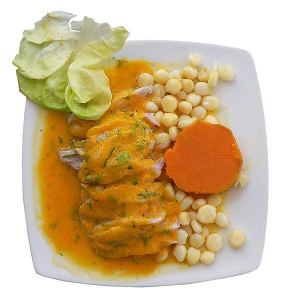 """Al igual que el Cebiche es una entrada muy apetecible de Perú que se acompaña con Maíz tierno, """"Choclo"""", y Batata morada, """"Camote"""""""