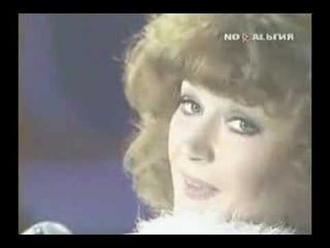 Alla Pugacheva-1983 Million Roses, one of my favorite old Russian songs