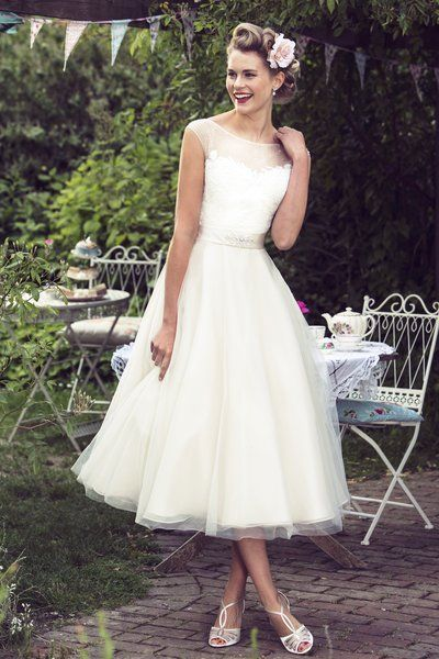 Tea Length Bridal and 50's Style Short Wedding Dresses | Brighton Belle | Gracie/W180 | True Bride