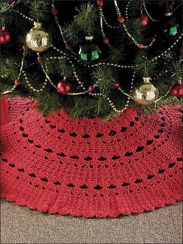 7-Hour Tree Skirt Crochet Pattern by Katherine Eng - This looks easy enough to duplicate.  I would make it in a sparkly white or off-white.