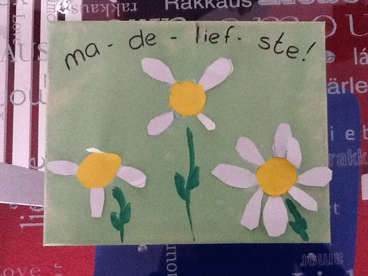 Idee moederdag: schilderij met de tekst 'ma - de - lief - ste'