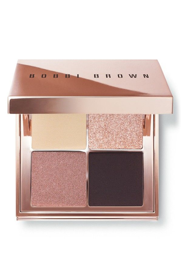 Achieving an easy, summer look with this Bobbi Brown eye palette.