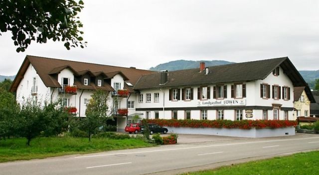 Landgasthof Löwen - 3 Star #Hotel - $64 - #Hotels #Germany #SasbachinderOrtenau http://www.justigo.com.au/hotels/germany/sasbach-in-der-ortenau/landgasthof-lapwen_198878.html
