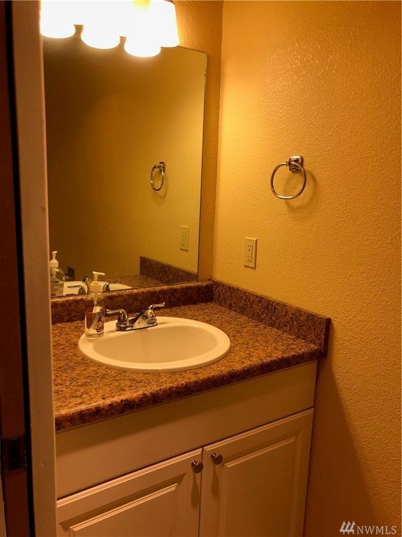 220 Israel Rd Sw Apt E9 Tumwater Wa 98501 Zillow Zillow Tumwater Framed Bathroom Mirror