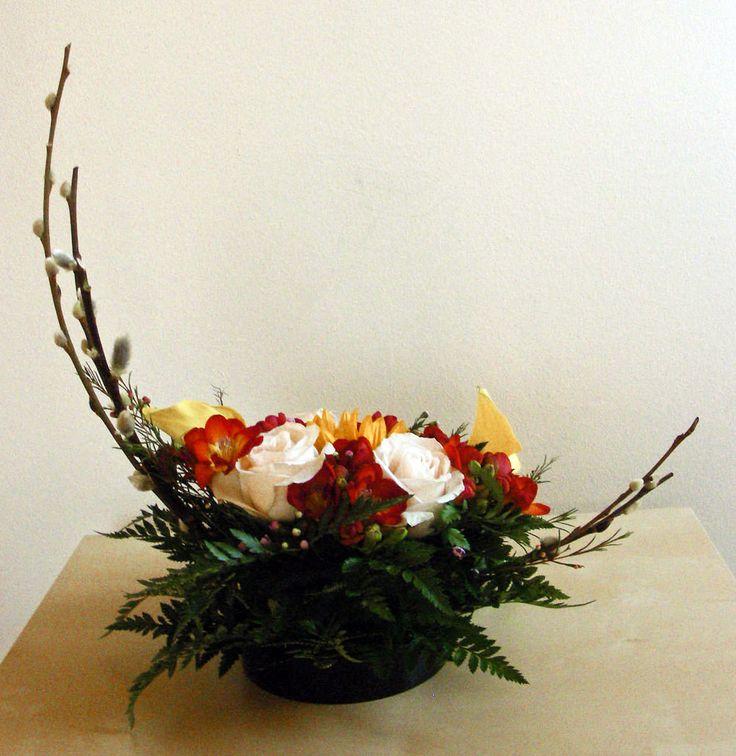 19 best crescent shaped flower arrangements images on for Crescent bouquet