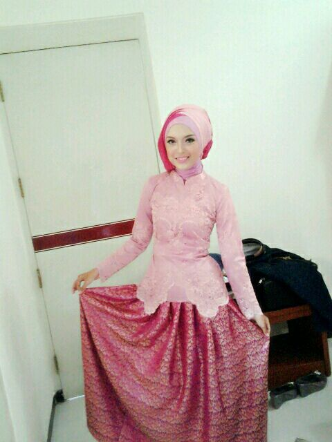 kebaya wisuda #1 pink, pink and pink, but not too pingkish, soft and sweet