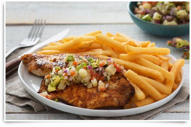 Débordante de saveurs mexicaines fraîches, cette recette de filet de tilapia servi avec Pico de Gallo et Superfries de McCain régalera toute la famille. NE PAS SERVIR De FRITES!