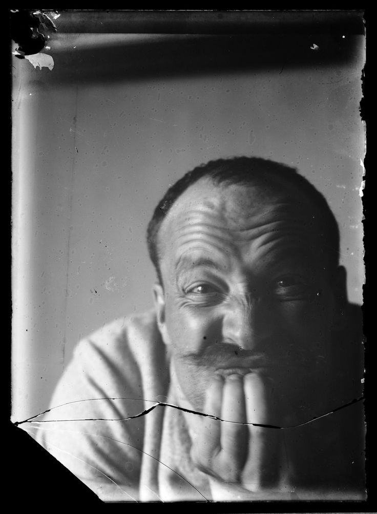 Hugo Simberg, n. 1907. Valokuva Hugo Simberg. Kansallisgalleria.