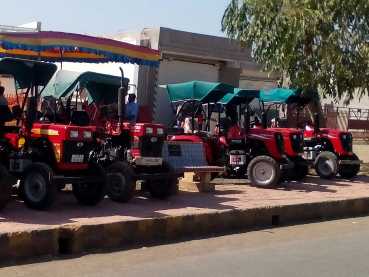 Free Mega Service Camp by our authorized Dealer Gujarat.  Attended to maximum nos. of Captain tractors and defined its unique Identity.  Appreciated by all customers.. Added goodwill to Captain Tractors.