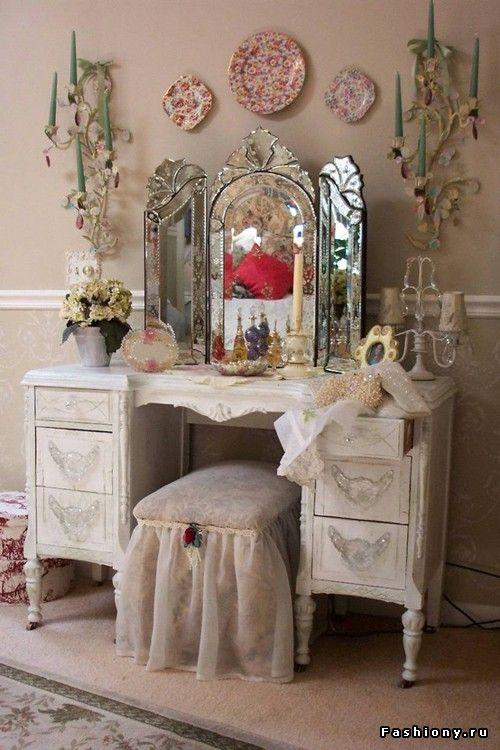 Поистине женский столик / столики для макияжа
