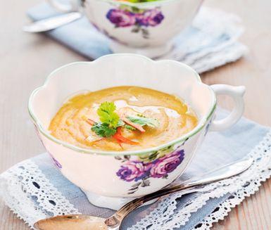 Het linssoppa med kokosmjölk