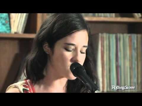 Pues mi novia Sariñana cantando mi canción favorita.