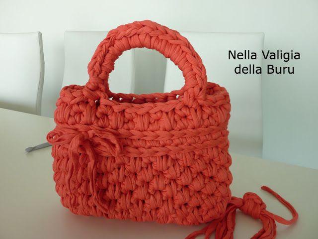 7 best fettuccia images on pinterest crochet handbags for Borse fettuccia uncinetto tutorial