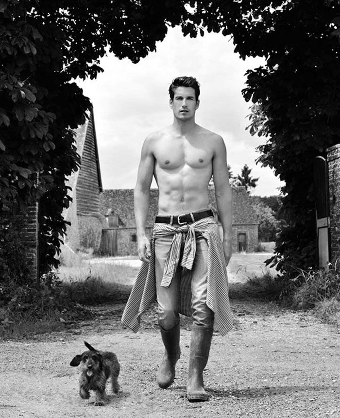 Remember the smoking hot fireman calendar by French fashion photographer Fred Goudon? Well, now he's back with an even hotter calendar featuring a bunch of semi-naked French farmers posing with livestock.