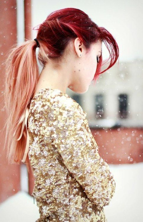 Burgundy and peach hair with gold sparkly jacket. Too good! CLICK for more red hair looks   #burgundy tiles
