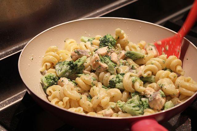 Super makkelijk recept | pasta broccoli en zalm