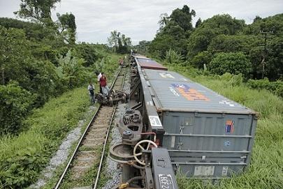 Zug entgleist -EinGüterzugin Nakhon Si Thammarat entgleist auf dem Weg von Bangkok nachHat Yai, Songkhla. Der Zugverkehr wurde für Stunden unterbrochen, zwei Menschen wurden verletzt.    Nakhon Si ThammaratRonPhibunB