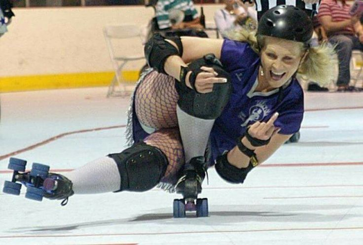 Cindy Fears with the coolest roller derby pose ever!