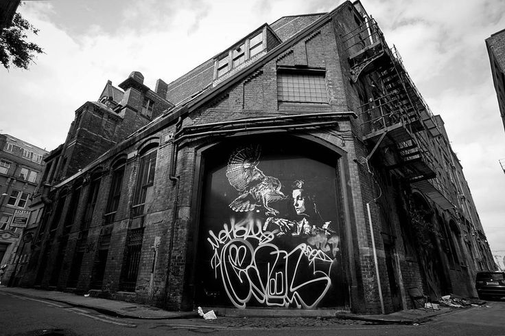 The dark and dirty back streets of Manchester  #urban #streetphotography #streetart #manchester #graffiti #tagging #blackandwhite #backstreets by ste_topp