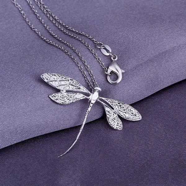 Specification Size: 3.2*4.5CM Category: Jewelry > Pendants Item Type: Pendant Necklace Gender: Unisex Style: Trendy Shape/Pattern: Insect Weight: 0.033KG Pac