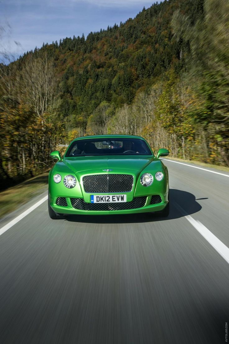 2013 #Bentley Continental GT Speed. This car is seriously #awesome. In Green!  www.bigideapro.com