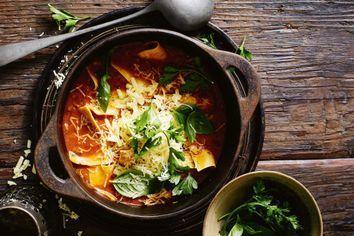 One-pot lasagne soup
