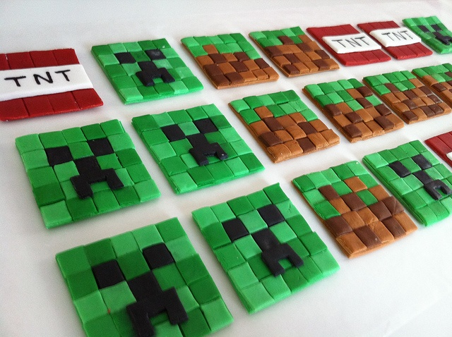 Minecraft Cupcake Toppers, via Kara Shall (Three Little Cakes) on Flickr.