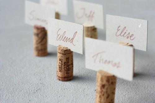 Des bouchons de vin en liège pour marque-places