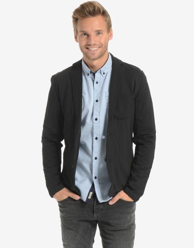 Dit mooie herenjack vind je nu met 75% korting! #uitverkoop #sale #mannenmode #mode #heren #jas #jack #vest #blazer #zwart #mensfashion #casual #classy