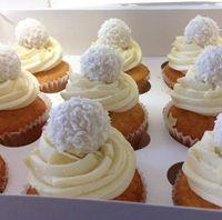 Unique Miss Cupcake Berlin hausgemachte Cupcakes Petit Fours Torten und Kuchen