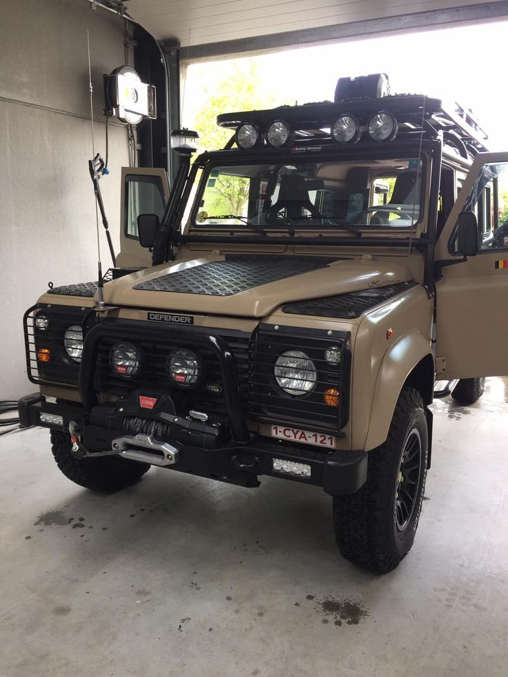 17 best ideas about land rovers on pinterest land rover. Black Bedroom Furniture Sets. Home Design Ideas
