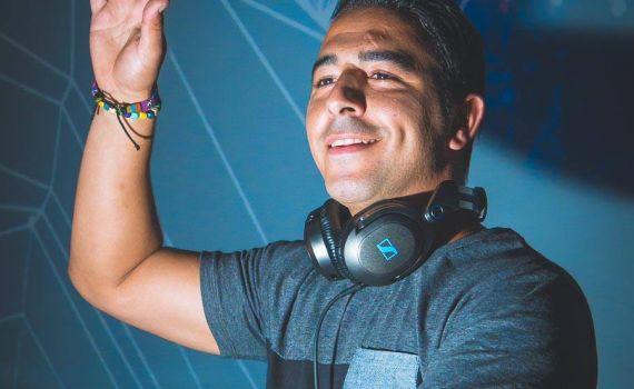 15 de Julho: DJ Filipe Oliveira  #agitagueda #agitagueda2016 #agitaguedaartfestival #agueda #streetart #festival #urbanart #umbrellaskyproject