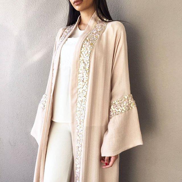 Simply #qabeela ❤ #luxabayas #luxurylife #modestdressing