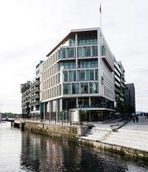 Tjuvholmen: Naturstein i fasader er levert av Naturstein Montering AS på Sundvollen i Hole Kommune