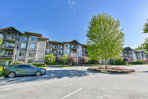 RARELY AVAILABLE!! Original Owner for this Top Floor Corner Unit on GREENBELT with MOUNTAIN VIEWS at STONEGATE!! This must see unit features an open floor plan with 2 bedrooms & a great sized Den!! Other features include Granite Counter Tops throughout including the Island in the kitchen, Stainless Steel Appliances, Crown Moulding, Lots of Extra Windows, 9 ft Ceilings and a large Covered Deck!! This unit is located at the back of the complex in a quiet location with lots of privacy! Hurry...
