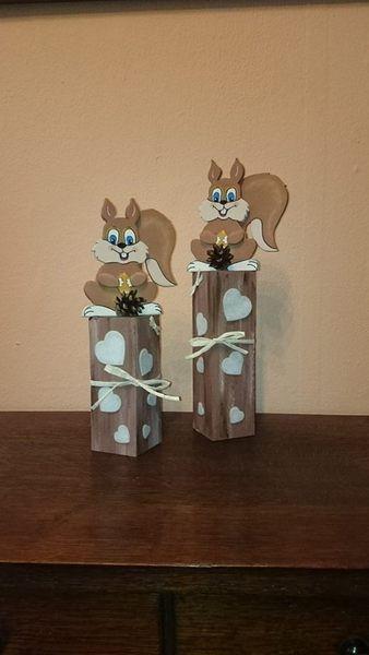 Eichhörnchen Herbstdeko auf Holzpfosten von Jenny's-Holzstübchen auf DaWanda.com
