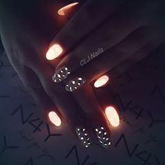 Gel Nails Glow in the dark nail art