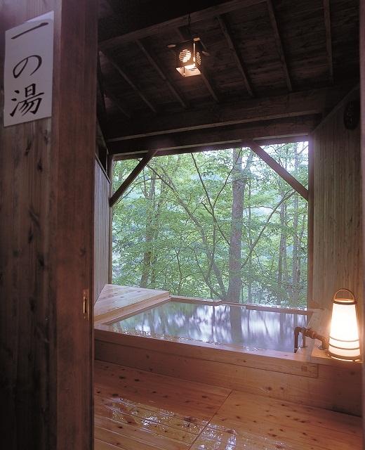 貸切露天風呂【一の湯】 時間や季節により景色も異なる人気の貸切露天風呂