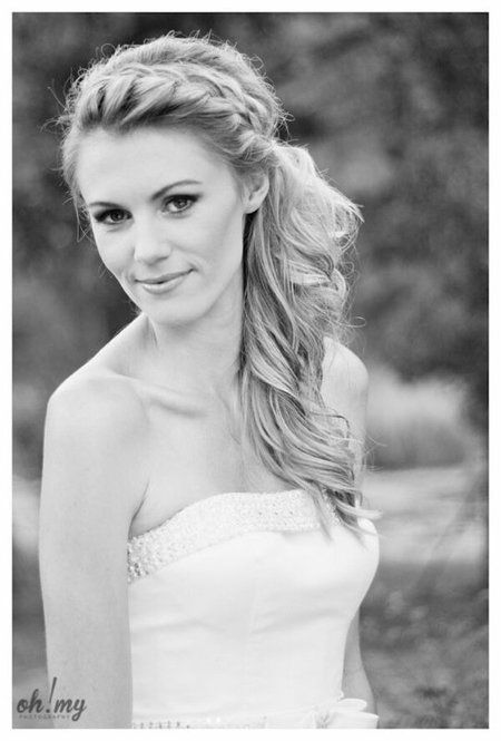 Side braided pony for Bride to be! See more wedding looks on http://bellashoot.com