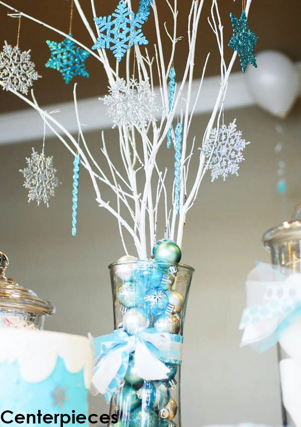 Centerpieces - Frozen inspired centerpieces add a special touch to every table. From wintery snowflakes or giant Olaf's, they are sure to make every table unique.
