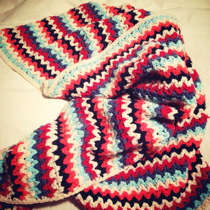 My first baby blanket - free pattern by http ...