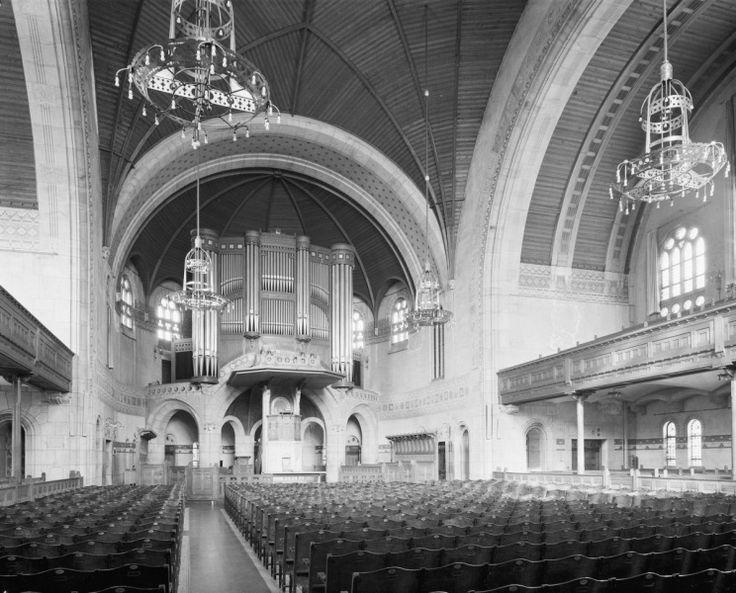 Interieur overzicht naar 't orgel - Koninginnekerk Rotterdam