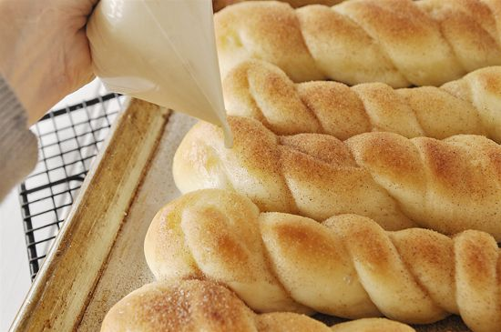 Buttery Cinnamon Sugar Breadsticks with Cream Cheese Drizzle: Cream Cheese