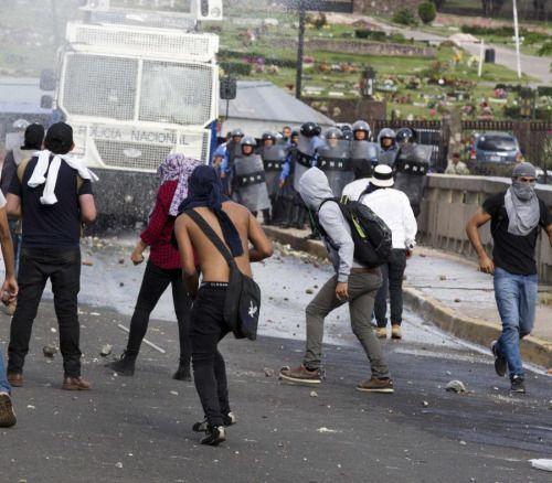 Protestas estudiantiles paralizan principal universidad de...