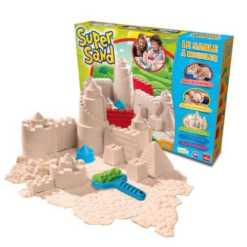 Avec ce sable à modeler naturel et hypoallergénique, votre enfant pourra créer un véritable château fort avec un résultat hyper détaillé.