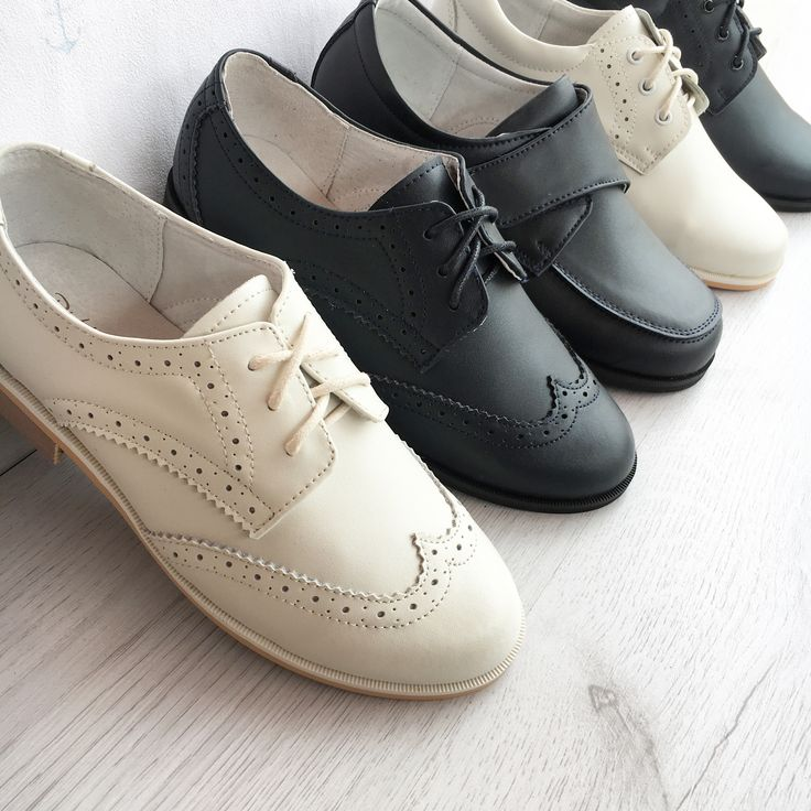 El día perfecto requiere un zapato igual de perfecto.  Zapatos de piel para comunión o ceremonia para niño.  PVP 20€